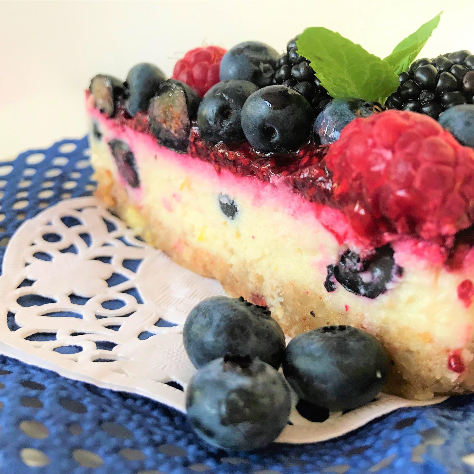 Торта с горски плодове и D'free Мента